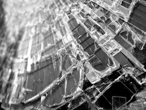ГАЗель улетела в кювет в Дзержинске: два человека пострадали