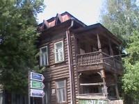 Организация, сломавшая балкон дома купца Полушкина, привлечена к ответственности
