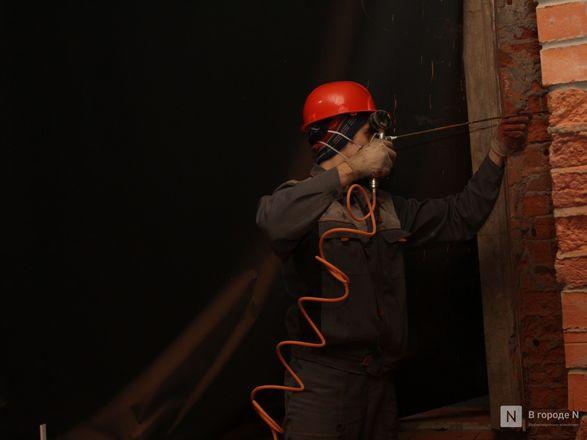 Инъекция для стен: как идет реставрация фасада нижегородской фабрики «Маяк» - фото 36