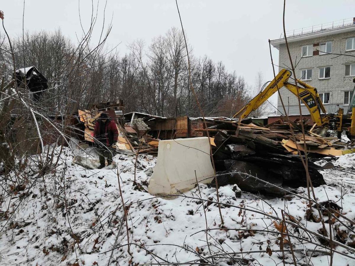 Аварийные сараи в Советском районе снесут за 3 млн рублей - фото 1