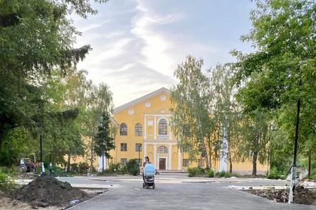 Благоустройство сквера на улице Премудрова в Нижнем Новгороде выполнено на 75%