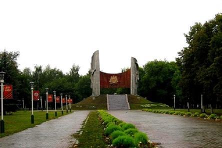 Ко Дню Победы в парке Славы Автозаводского района восстановят освещение