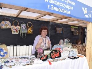 Корейский веер и челябинский леденец: фестиваль «Секреты мастеров» стартовал в Нижнем Новгороде