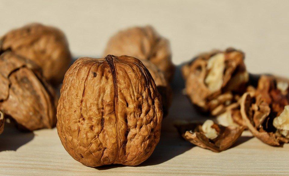 5 причин есть грецкие орехи каждый день - фото 1