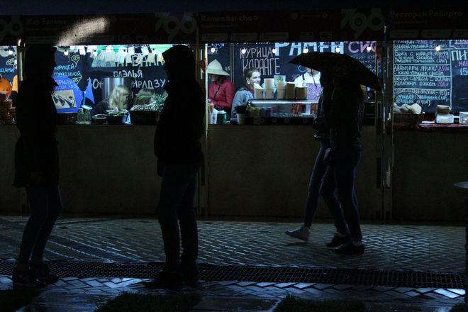 «Театр парусов» и 40-минутный фейерверк: яркое завершение Дня города в Нижнем Новгороде - фото 8