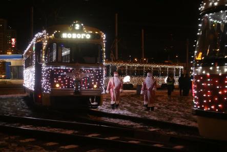 Три новогодних трамвая начали курсировать по Нижнему Новгороду 14 декабря