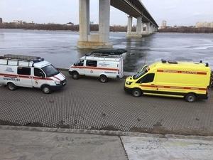 Нижегородские спасатели сняли мужчину со льдины на Оке