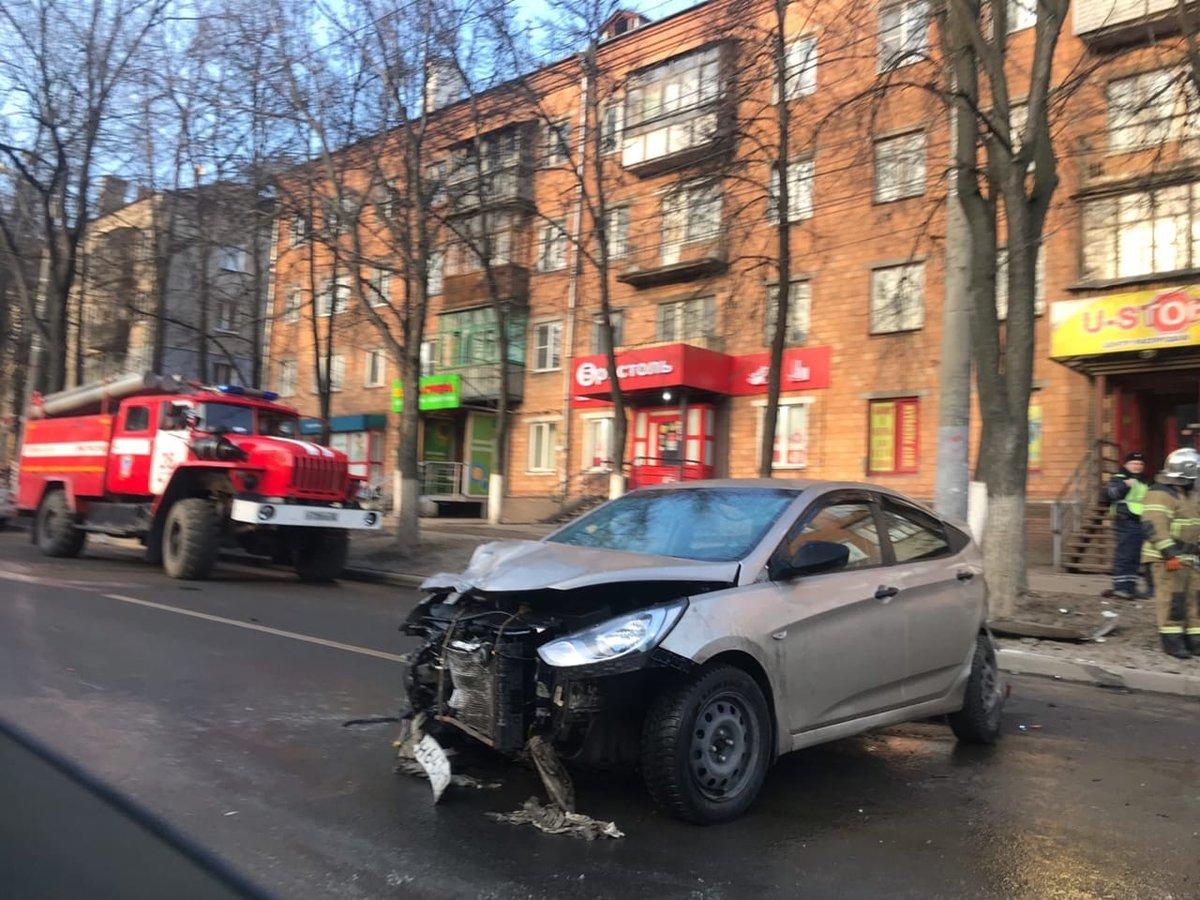 Пьяный водитель устроил «бильярд» на Бекетова с другими авто вместо шаров - фото 1