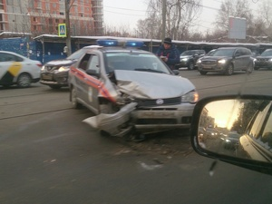 Автомобиль МЧС попал в ДТП на улице Белинского