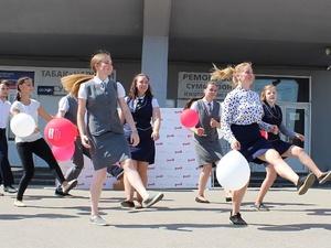 Флешмоб студенческих отрядов проводников прошел на железнодорожном вокзале «Нижний Новгород» (ФОТО)