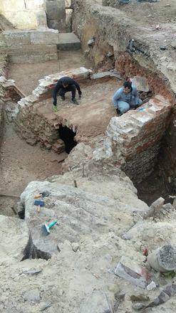 Фрагменты старинного здания обнаружили археологи в центре Нижнего Новгорода - фото 2
