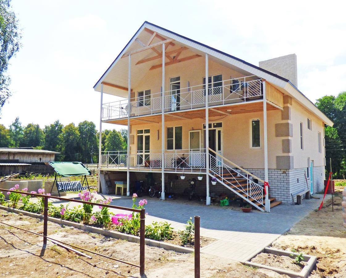 Дом для многодетной семьи погорельцев построили в Вознесенском районе - фото 1