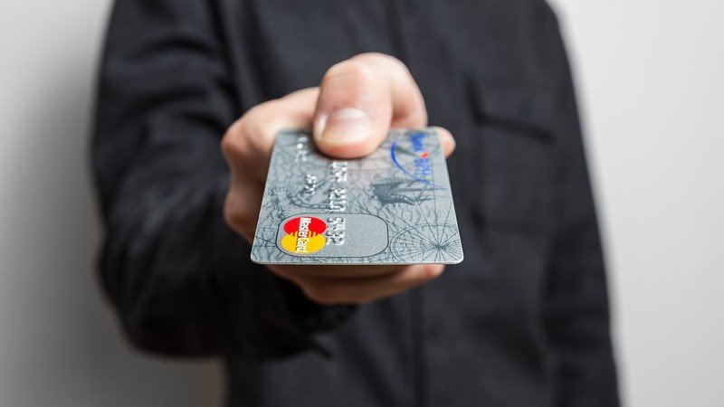 5 платных услуг, которые вам легко могут навязать в банке - фото 2