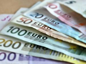 Курс евро преодолел отметку в 79 рублей