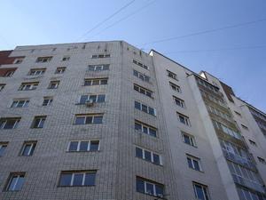Дом на улице Вятской сдадут после решения вопроса с парковкой