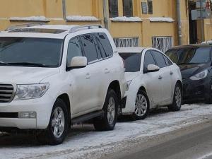 Стоянку транспорта ограничат на улице Ульянова