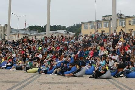 Летний кинотеатр под открытым небом начал работу в Нижнем Новгороде