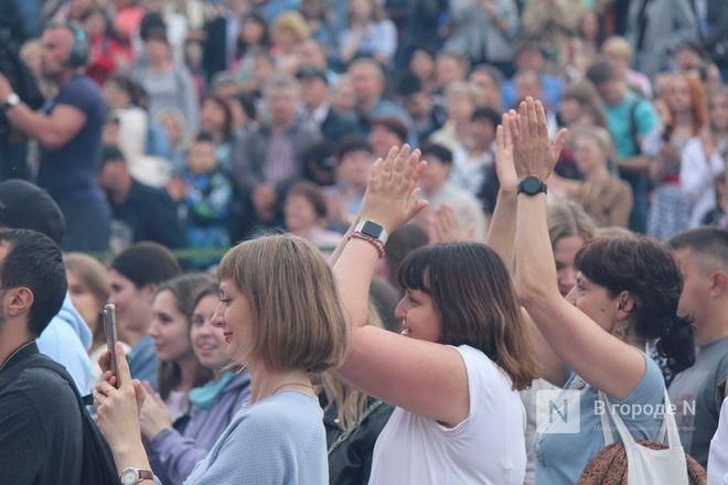 «Столица закатов» без солнца: как прошел первый день фестиваля музыки и фейерверков в Нижнем Новгороде - фото 37