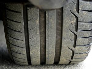 Возрастная велосипедистка получила перелом после встречи с колесом грузовика в Семеновском районе