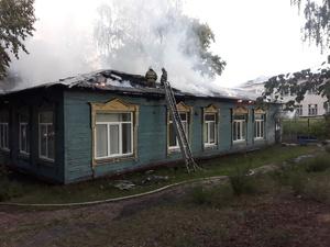 Поликлиника сгорела на Бору