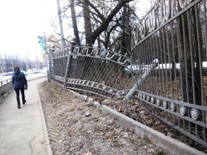 Нижегородцы просят Глеба Никитина «починить» забор в парке Дубки